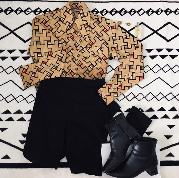 春秋衣櫃古著花襯衫 領子超特別買的哈哈哈 黑色長褲 方頭襪靴