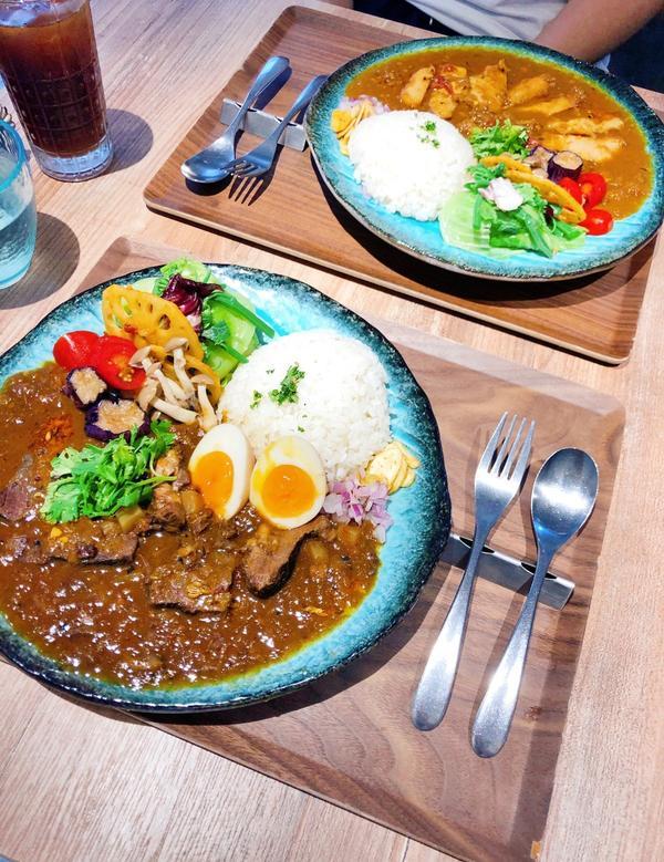 台北|稲町家香料咖哩|五彩繽紛健康咖哩🔅紅酒燉牛頰香料咖哩-加糖心蛋🔅燒烤松板豚香料