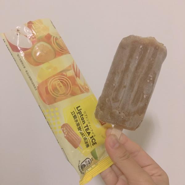 立頓水果茶冰棒這支冰棒真的推 QQ的蒟蒻+水果茶的冰 超搭