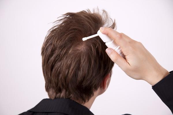 養髮液與生髮水的差別養髮液跟生髮水有什麼差別呢?兩者是完全不同的東西,養髮液只的是含有頭皮調理養護或