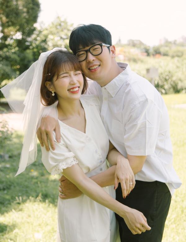 擺脫尷尬癌!教妳拍出超級自然的韓系情侶寫真❤️Hi~大家好🙋🏻♀️我是新手人妻Sherry🤭�