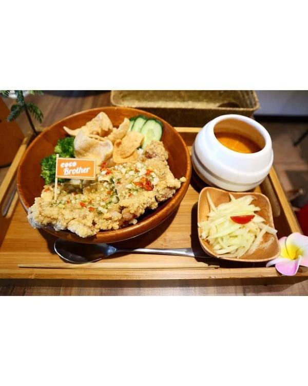 (小布美食日記)台北捷運中山站泰式餐館自從去過泰國 常常會想念泰國的食物  這家小餐館位在捷運中山站