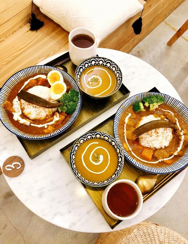 台北|The Wrice 來時-冰品、咖哩、甜點|文青風咖哩店🔅雞肉香料咖哩飯(加糖心