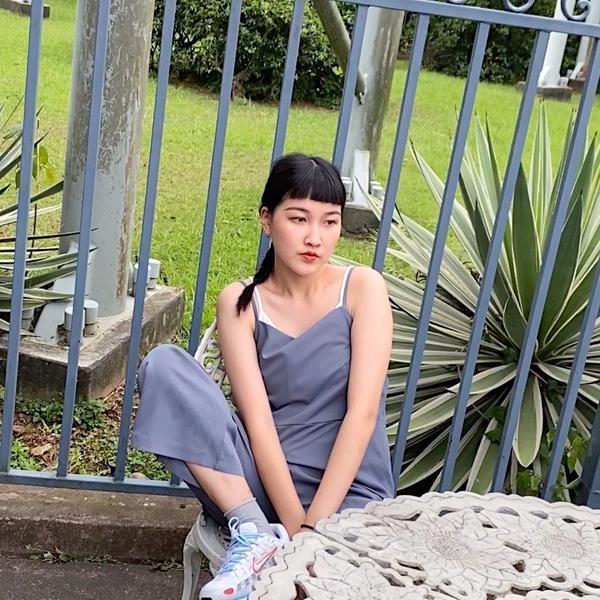 OOTD 遊樂園穿搭🎠🎡🌞昨天和朋友們去了六福村 去前一直想不到怎麼搭比較好 結果最後還是選了
