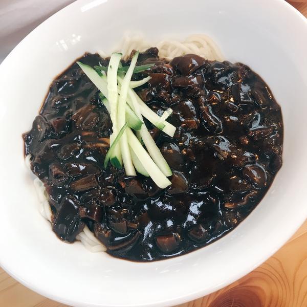 桃園平鎮平價韓式料理平鎮南勢|釜山港 自從去過韓國🇰🇷吃過正宗炸醬麵就回不去了.... 只要看到