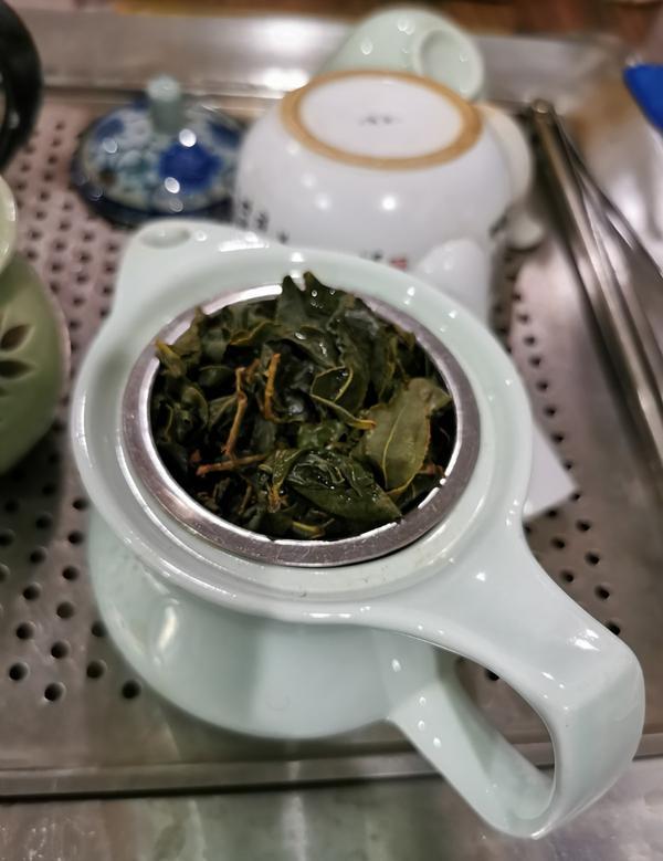 心情 - 喝一杯吧?!您 是否愛喝茶呢?  金黃色 的 茶湯 蘊含了許多不同的滋味  可以趁著茶湯還