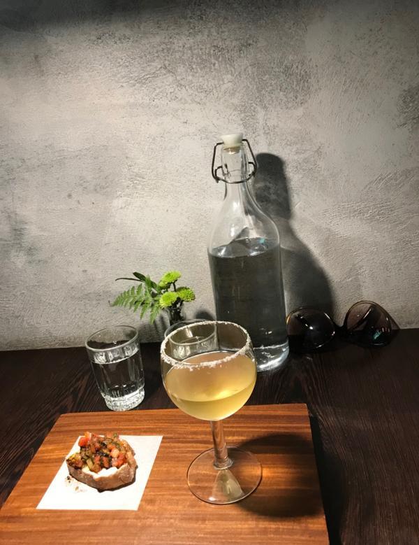 """淡水蔬食-之間 茶食器今天朋友請吃位於淡水老街尾端的一間從外表看起來很低調的蔬食餐廳""""之間 茶食器"""""""