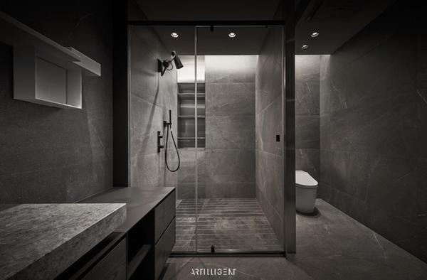 Kikihsieh我是在精品衛浴的品牌工作,所以主要接觸到的都是台灣前10%的金字塔頂端客戶們。自然