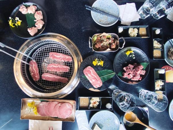 臺北美食|柏克金燒肉屋Buckskin Yakiniku品嚐炙燒原味鮮甜的豐盛美味 佐上稍許酒精的催