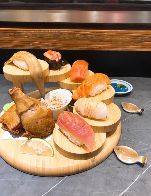 【雨停foodie】助壽司悶熱的夏天,來點壽司當作晚餐吧!單點的握壽司幾乎沒有雷的!紅酒釀漬番茄甜甜