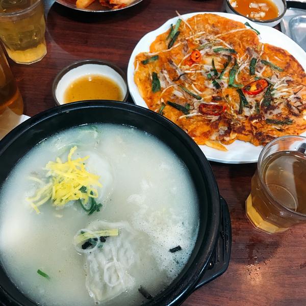 📍首爾|連鎖|神仙雪濃湯明洞店|首爾美食🇰🇷相信很多人都聽過神仙雪濃湯這間店吧! 這間非常適合