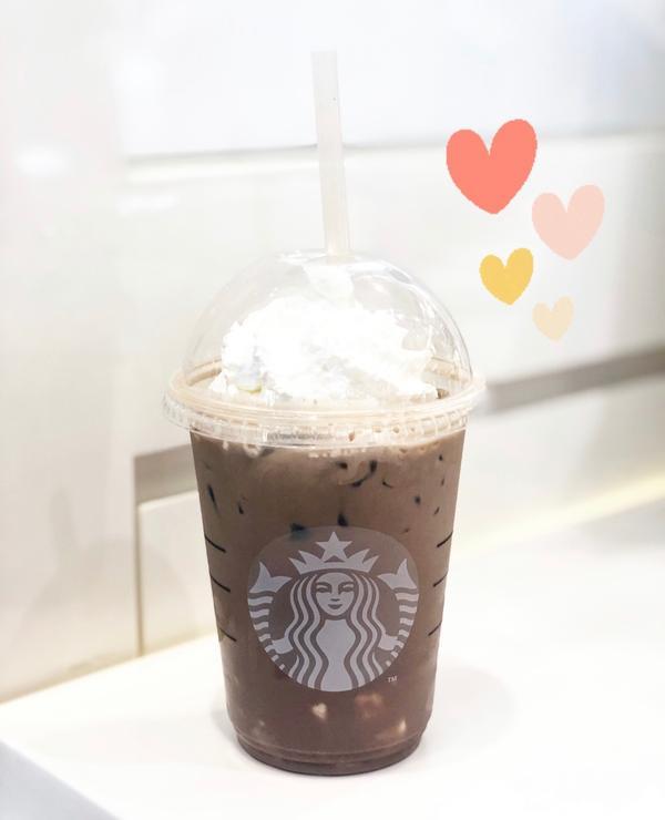 星巴克✖️期間限定✨ 杏仁豆腐巧克力🍫咖啡星巴克一段時間總會推出限定的飲品👀要趕快去嚐鮮下次想喝