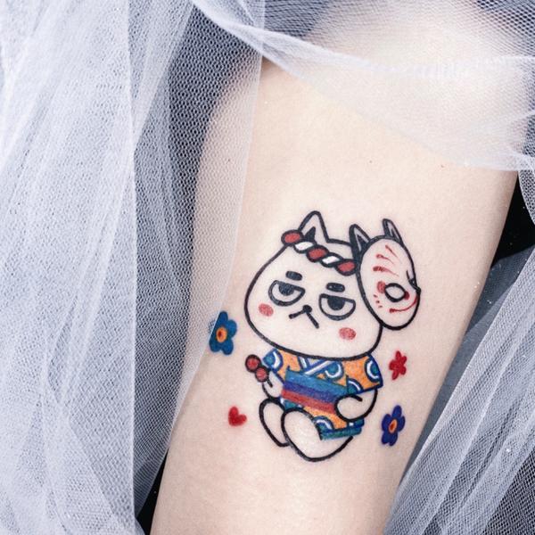 刺青圖 — 夏日祭屁貓/客人客製的夏日祭小屁貓/ 除了認領圖屁貓也可以客製喔 感覺是坐在階梯上等了很