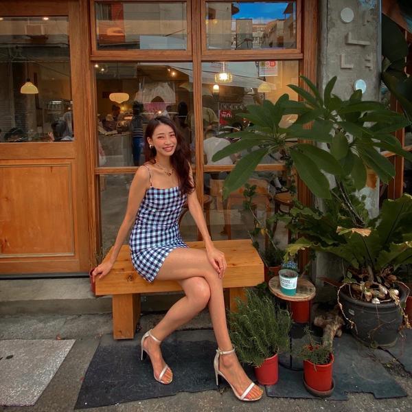 韓國咖啡廳 #夏日晚上約會穿搭享受一個人的時光, 不是說不戀愛不重要, 而是成為自己的主人, 擺脫世