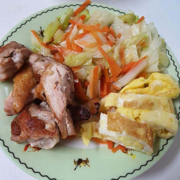 Breakfast 9/21Monday月曜日PeterPenny雙P早餐~五穀飯,清炒高麗菜,煎雞