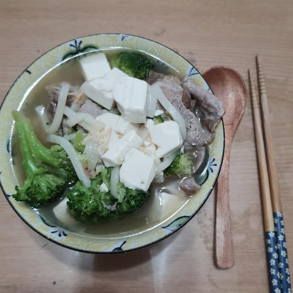 Breakfast 9/30Wednesday水曜日PeterPenny雙P早餐~豬肉花椰菜豆腐讚歧