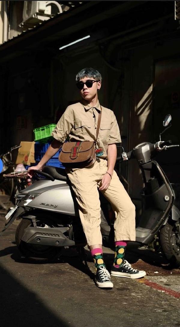 怎麼搭都好看💖一年四季最百搭的顏色我還是給「米色」! 這一套米色工裝設計真的大愛,尤其是襯衫控的我