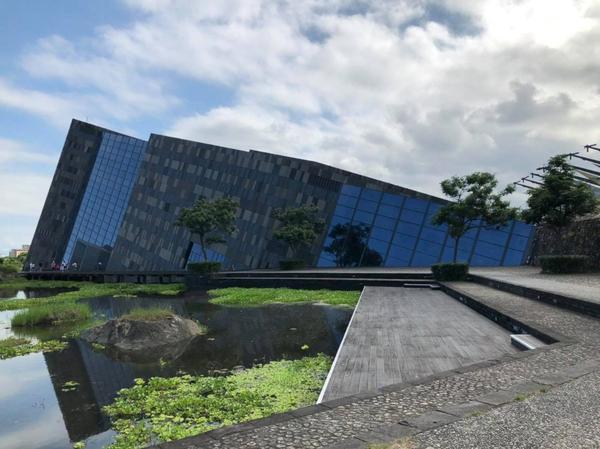 『宜蘭旅記最終章』和諧共生 採光與視覺的穿透效果_蘭陽博物館與烏石漁港蘭陽博物館/宜蘭縣頭城鎮青雲路