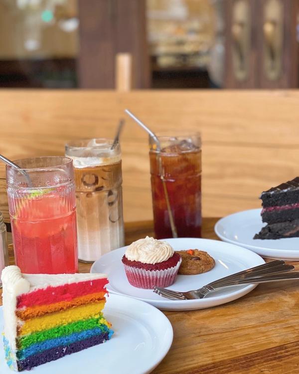 台中西區美食📷復古蛋糕,平價又好拍🌿✨:隨筆の食記 (人像照在下一篇🦦) #這張比較合版面