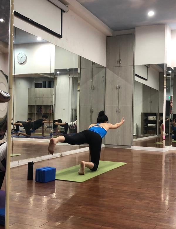 新店瑜珈推薦-跟著轉動瑜珈一起轉動你的身體我一向很喜歡挑戰各式運動 雖然前陣子有點鬆懈 不過女生