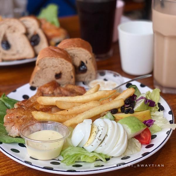 高雄鳳山早午餐|漫時光午餐|大推嫩煎雞腿排早餐盤:高雄鳳山文雅店【漫時光早午餐】----------