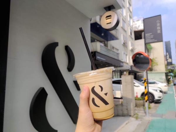 台北大安➿ &FOMO COFFEE➿台北咖啡廳難得上台北開會 點了一杯黑糖拿鐵 小小的店面 好喝又