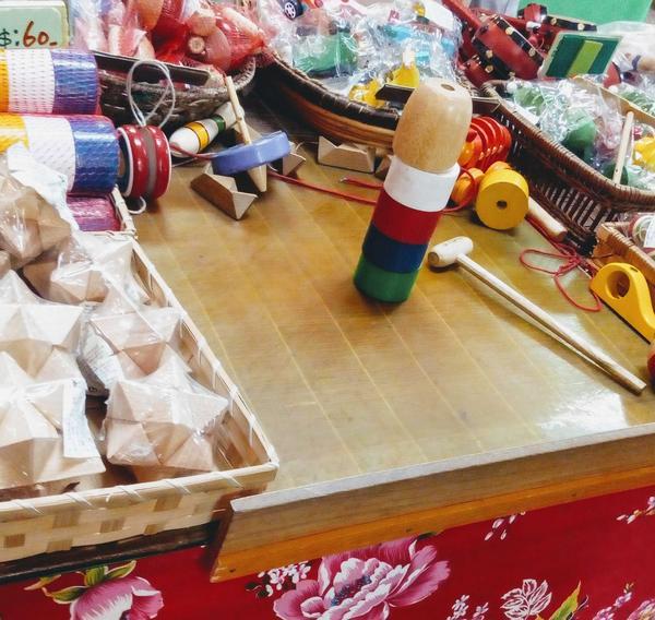 找回童年的記憶位於美濃的 民俗村(客家文化)   有著許多古早味小吃  還有當地超夯的客家擂茶  可