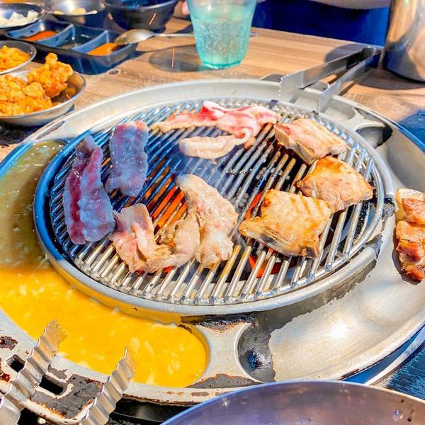 [台北 西門站] 韓國烤肉、小菜通通吃到飽,愛吃韓國美食的快來試試!最近滑ig的時候看到這家韓式烤肉