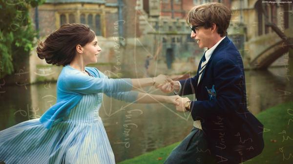 電影聚焦|《愛的萬物論》:愛,鐫刻於時光的每一分閃現⠀⠀⠀《愛的萬物論》(TheTheoryofEv