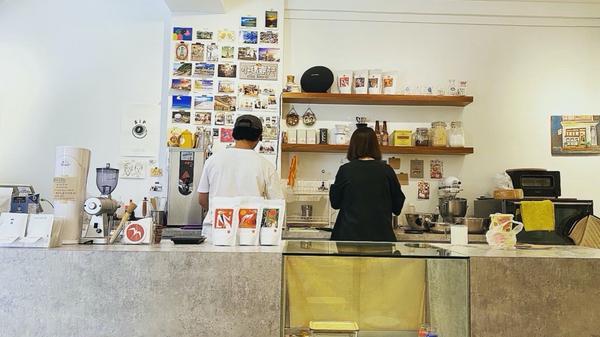 【台灣】羅東 探店 🌺|就像是你家鄰居的自然|小揭商行早上九點就開門,融合在菜市場裡的咖啡店,像是