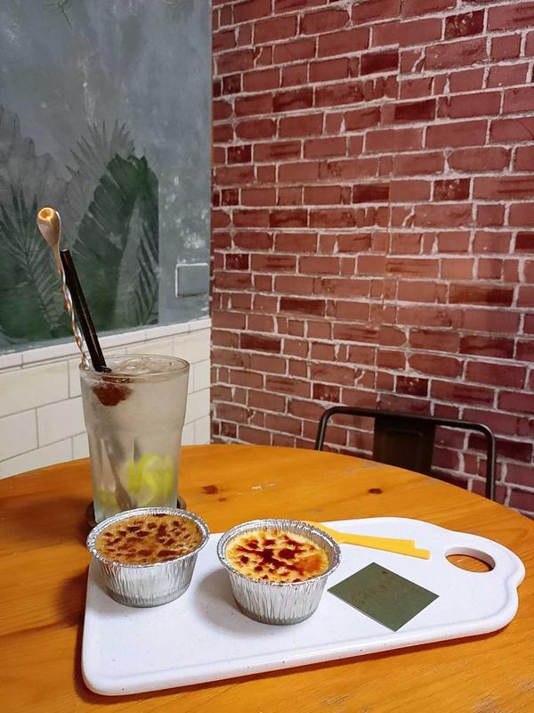 📍高雄甜點:許氏良行 feat.烤不累本人最愛的高雄甜點之一❤️ 位於高雄醫學大學附近, 老闆很親