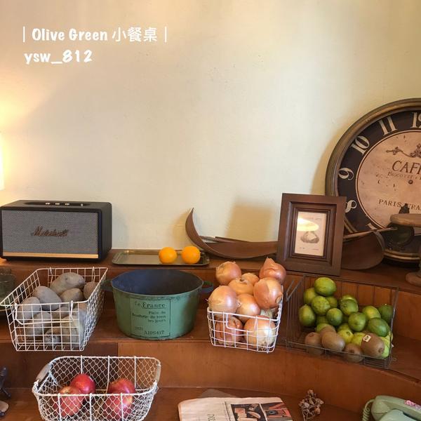 都市裡的鄉村小店Olive Green 小餐桌  想在鄉村裡吃飯嗎? 想要滿足正餐跟甜點的胃? 可以