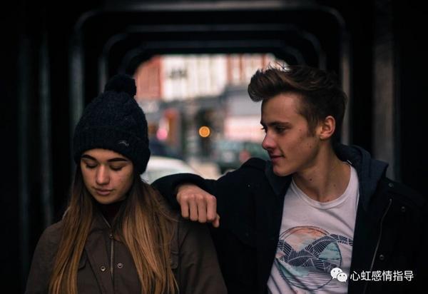 """男生說「我們只是朋友」 我們還有機會嗎?高價值女孩們,當男生說:""""我們只是朋友"""",到底是什麼意思呢?"""