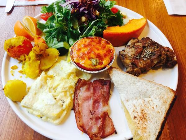 士林區✿健康又繽紛的門片咖啡 天母也可以有這麼平價的咖啡廳!?大家知道身為一個美食部落客,養成良好的