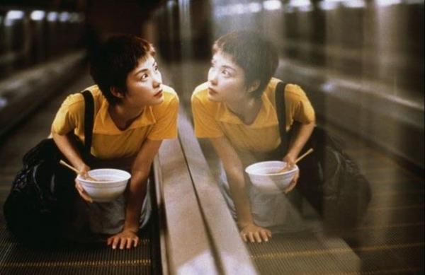 【電影看愛情】從《重慶森林》看盡都會愛情夢:「這個世界上,還有什麼東西是不會過期的?」1994年上映