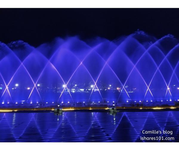 桃園慈湖水舞光雕秀超震撼,你看過了嗎?自10月1日起,桃園慈湖水舞光雕秀每晚六點到八點每整點演出5分