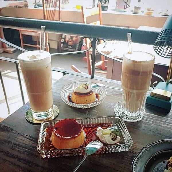 二會咖啡gojiby👉日式懷舊咖啡廳必吃布丁跟巴斯克!!位於台北後車站的二會咖啡 超級推薦~苦甜味