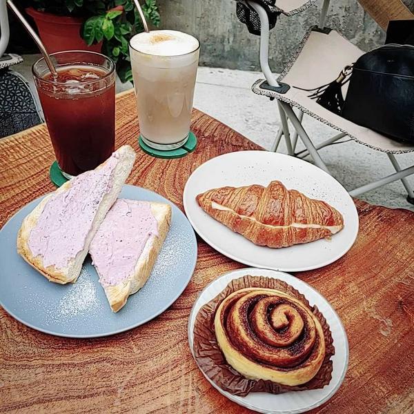 Jag這個.浮洲👉板橋超平價又好吃的戶外庭院咖啡廳!點了4樣東西才$260...你信嗎?!哈哈哈�
