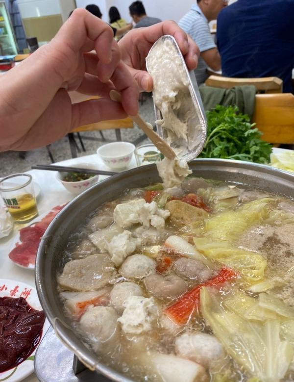 [台南|小豪洲沙茶爐] 台南不是只有牛肉湯,在地的其實也吃沙茶爐台南美食除了牛肉湯和鱔魚意麵之外,其