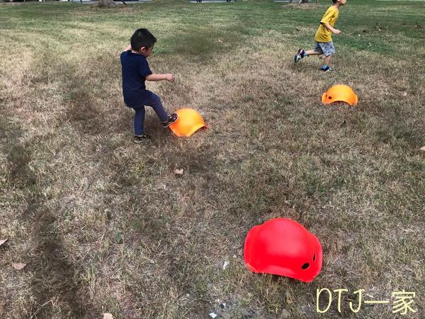 親子共玩,好好玩!台北昨天陰雨 今天又放晴 天氣變來變去的 不過孩子的電力 可不能因為天氣如何 大人