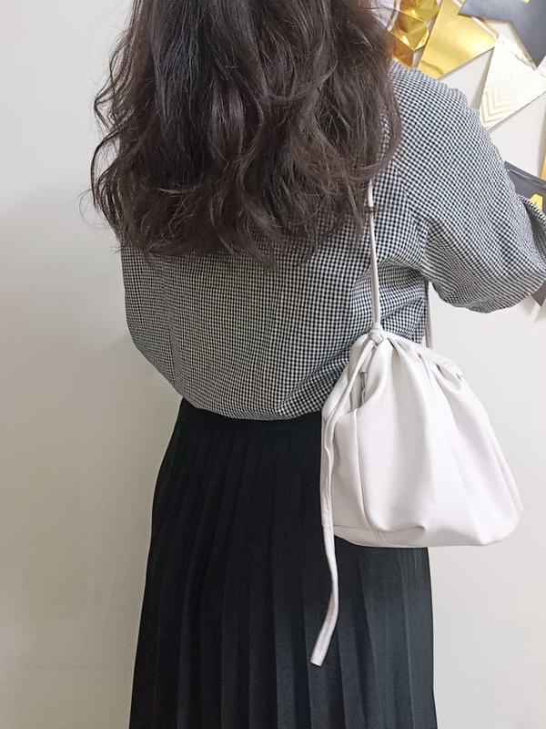 日常穿搭PART1上衣:黑格麻料短板襯衫 下身:百摺鬆緊涼感長裙   📍以上購入地點:法朵  法朵