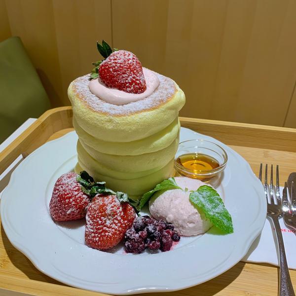 [高雄]日本來的🇯🇵舒芙蕾控必來吃😙. 📢 Rose House Café-高雄夢時代店 -