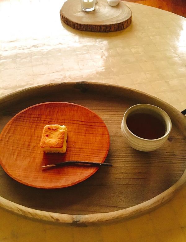 百年餅舖的優雅下午茶時光基隆總是被誤解雨下很多,但其實住起來真的也還好.許多基隆人從小吃