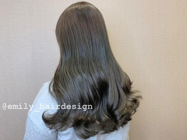♡#霧面髮色  ♡那麼漂亮的髮色沒有不染的理由吧  ♡需漂褪ㄧ次的髮色❤️  ♡#12月份還有空檔提