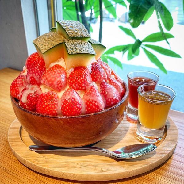 台南📍冰店🔹冬天就是要吃草莓冰❗️今天分享的是台南📍的冰品「冰ㄉ」 冬天就是要吃草莓🍓,不吃