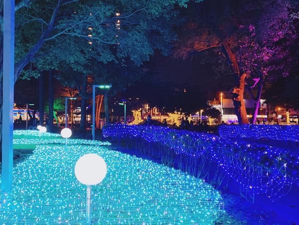 屏東🎄2020屏東聖誕節🎄偽出國半日遊😄  地點:屏東公園⛲️ 點燈時間:✨ 17:30-22