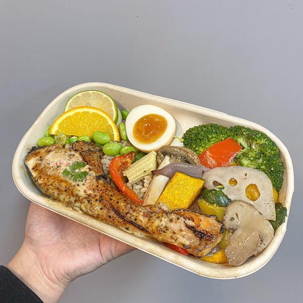 #新北美食#板橋美食#肌肉海灘 - 我終於吃到超美味健身餐了! 🎏回訪意願:☀️☀️☀️☀️☁️