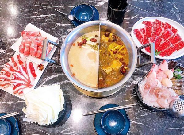 這一鍋皇室秘藏鍋物|招牌老火湯、麻辣鍋必點🔥麻辣豆腐、鴨血免費續加|#2020最後倒數 #台中人愛