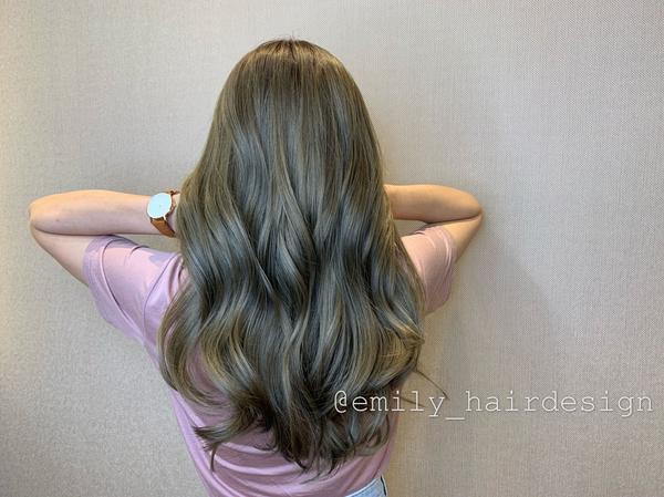 ♡#青木棕#亞麻棕   ♡本月最欠染的髮色🔥喜歡我的作品美感可以先收藏起來,當面可以討論喔🥰
