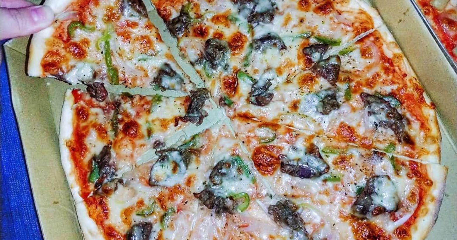 Pizza Running 逢甲店🌸台中美食介紹🌸今天來介紹pizzarunning的披薩使用義